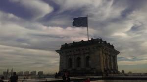 Die Europaflagge grüßt vom Reichstag